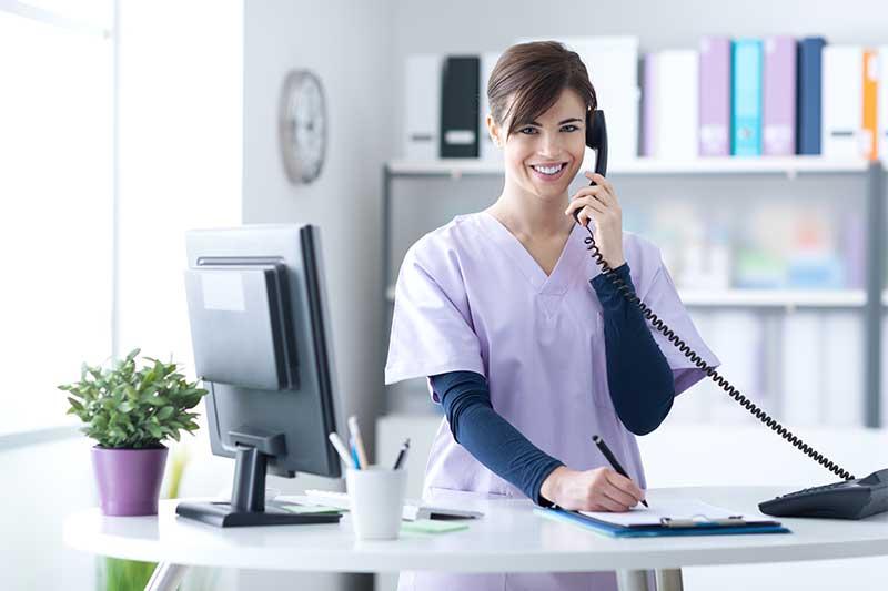 Visite médicale, maladie professionnelle, accident de travail... Vous souhaitez un renseignement sur la santé ou la sécurité au travail ? Contactez le CST